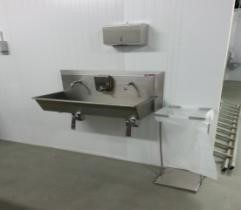 2 person knee operated hand wash unit with soap dispenser