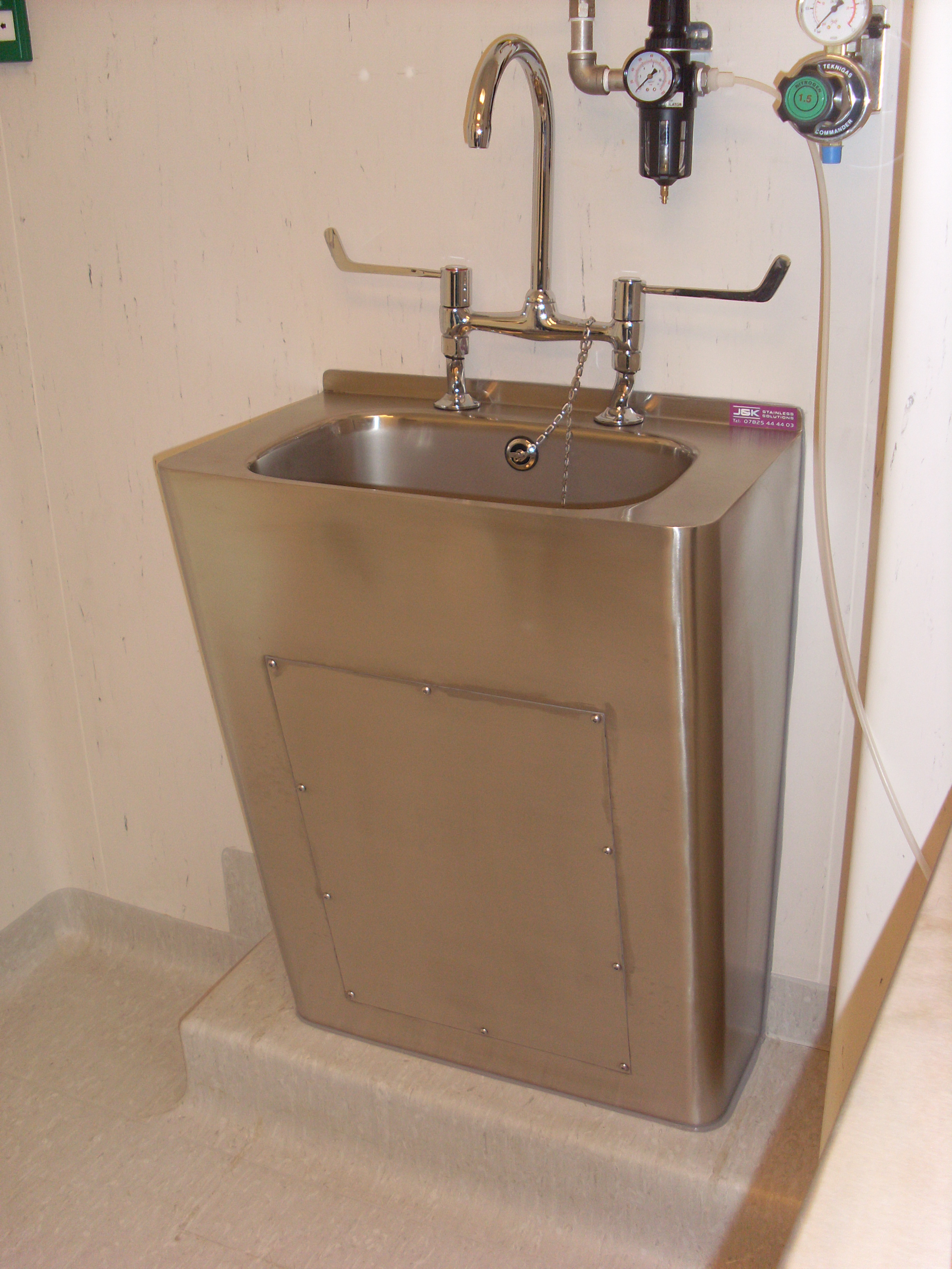 Grades Of Stainless Steel Sinks : pharmaceutical sinks our range of pharmaceutical sinks are ...